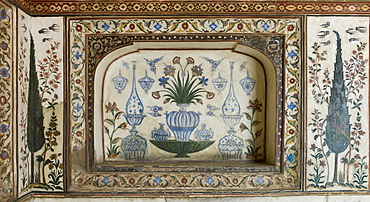 Pietra Dura stone and jewel inlay cut in marble frescoes at Tomb of Etimad Ud Doulah, 17th Century Mughal tomb built 1628, Agra, India