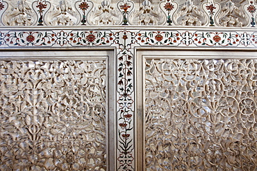 The Taj Mahal mausoleum detail of Pietra Dura jewels inlaid in marble and latticed screens, Uttar Pradesh, India