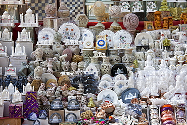 Taj Mahal souvenirs on sale by The Great Gate, Darwaza-i rauza, of The Taj Mahal Complex, southern entrance, Agra, India