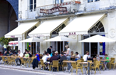 Diners at Le Richelieu Bar and Brasserie in Place du Marche in town of Richelieu, Loire Valley, Indre et Loire, France