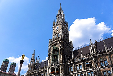 Ratskeller clock tower of Neues Rathaus in Marienplatz in Munich, Bavaria, Germany, Europe