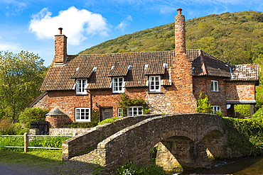 Famous Drovers Bridge at Allerford, Exmoor National Park, Somerset, England, United Kingdom, Europe