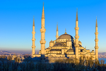 The Blue Mosque (Sultanahmet Camii) (Sultan Ahmet Mosque) (Sultan Ahmed Mosque), UNESCO World Heritage Site, 17th century monument with domes and minarets in Istanbul, Turkey, Europe