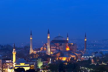 The Blue Mosque (Sultanahmet Camii) (Sultan Ahmet Mosque), (Sultan Ahmed Mosque), UNESCO World Heritage Site, Istanbul, Turkey, Europe