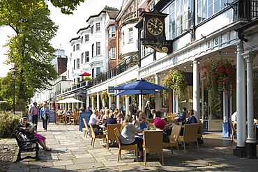 Street scene at The Pantiles pedestrian area of Tunbridge Wells with street cafe and shops, Kent, England, United Kingdom, Europe