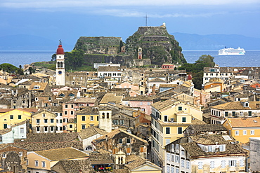 Agios Spyridon church, Old Fort, UNESCO World Heritage Site, Kerkyra, Corfu Town, and cruise ship in Ionian Sea, Corfu, Ionian Islands, Greek Islands, Greece, Europe
