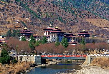 Tashichho Dzong and road bridge, Thimpu, Bhutan