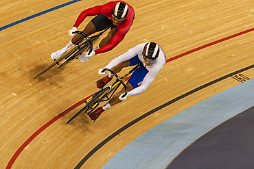 Track cycling battle in the velodrome, London 2012, Summer Olympic Games, England, United Kingdom, Europe