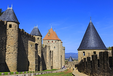 La Cite, battlements and spiky turrets from Les Lices, Carcassonne, UNESCO World Heritage Site, Languedoc-Roussillon, France, Europe