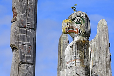 Thunderbird, First Nation Totem Pole, Namgis Burial Grounds, Alert Bay, Inside Passage, British Columbia, Canada, North America