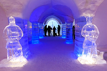 Sorrisniva Igloo Hotel, snow or ice hotel, striking sculpture, ice bar, Alta, Winter, Finnmark, Arctic Circle, North Norway, Scandinavia, Europe