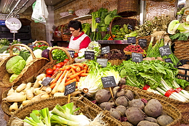 Vegetable stall, Saturday morning at La Boqueria, probably Barcelona's best-known market, off La Rambla, Barcelona, Catalonia, Spain, Europe