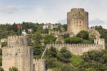 Rumeli Hisari (Fortress of Europe or Rumelihisari), elevated view from the Bosphorus Strait, Hisarustu, Istanbul, Turkey, Europe