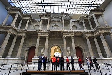 Visitors and the Market Gate of Miletus, Pergamonmuseum (Pergamon Museum), Museum Island, Berlin, Germany, Europe