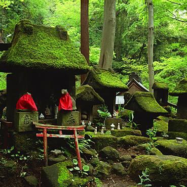 Sasuke Inari Shrine, Kanagawa, Japan