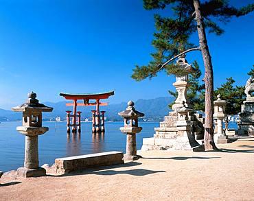 Itsukushima-jinja, Hiroshima Prefecture, Japan