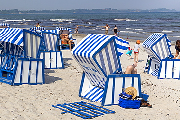 Blue-and-white beach baskets on the beach at Schaabe, Breege-Juliusruh