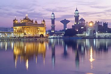 The Harmandir Sahib (The Golden Temple), Amritsar, Punjab, India, Asia
