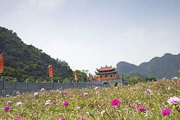 Meadow in front of Hoa Lu buildings at the old Vietnamese capital city, Hoa Lu, Vietnam, Indochina, Southeast Asia, Asia