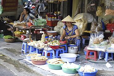 Local market trader, Hanoi, Vietnam, Indochina, Southeast Asia, Asia