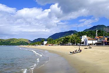 The beach in Abraao village on Ilha Grande, Brazil's Green Coast, Brazil, South America