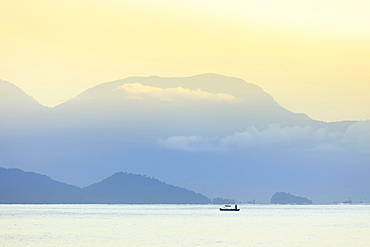 Mountains and sea on the Green Coast, Rio de Janeiro state, Brazil, South America
