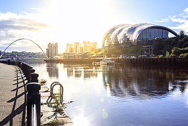 The Sage Arts Centre, Millennium Bridge and Tyne river, Gateshead, Newcastle-upon Tyne, Tyne and Wear, England, United Kingdom, Europe