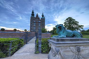 Sculpture of lion in front of Rosenborg Castle, Kongens Have, Copenhagen, Denmark, Europe