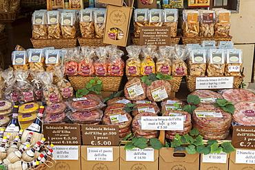 Shop of local wine and food, Marina Di Campo, Elba Island, Livorno Province, Tuscany, Italy, Europe