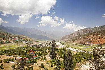 The Paro valley extends westward closer to the peaks that rise on the Tibetan border, famous for its many Buddhist temples, Bhutan, Himalayas, Asia