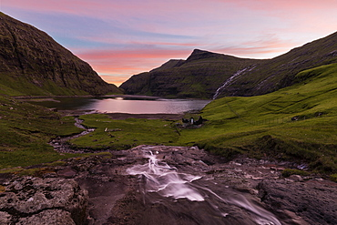 Sunset on lagoon surrounded by mountains, Saksun, Streymoy Island, Faroe Islands, Denmark, Europe