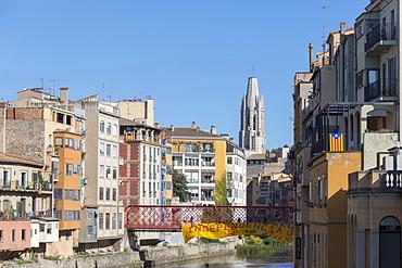Eiffel Bridge with Basilica of Sant Feliu in the background, Girona, Catalonia, Spain, Europe