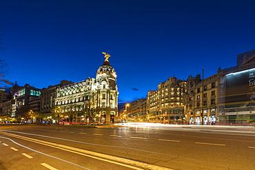 Metropolis Building on the corner of Calle de Alcala and Gran Via, Madrid, Spain, Europe