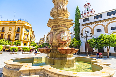 The baroque Light Fountain, Plaza de los Reyes, Seville, Andalusia, Spain, Europe
