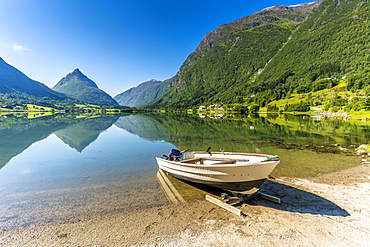 Mount Eggenipa mirrored in lake Bergheimsvatnet along the western fjords, Nordfjord, Sogn og Fjordane, Norway, Scandinavia, Europe
