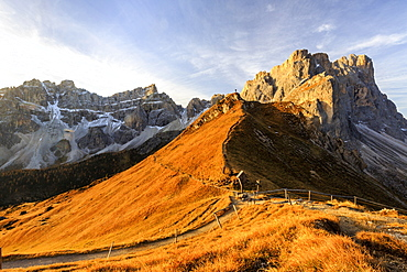 Hiking trails around the group of Forcella De Furcia, Funes Valley, South Tyrol, Dolomites, Italy, Europe