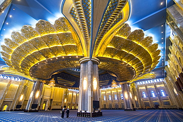 Inside the magnificent Grand Mosque, Kuwait City, Kuwait, Middle East