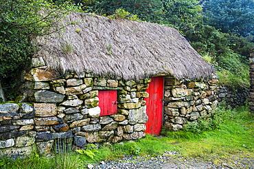 Traditional farm, Connemara National Park, County Galway, Connacht, Republic of Ireland, Europe