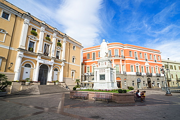 Statue of Eleanor of Arborea, in front of the city hall, Oristano, Sardinia, Italy, Europe