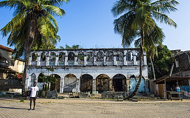 Old colonial house in Grand Bassam, UNESCO World Heritage Site, Ivory Coast, West Africa, Africa