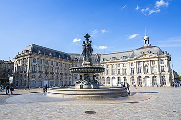 Fountain on the Place de la Bourse, Bordeaux, Aquitaine, France, Europe