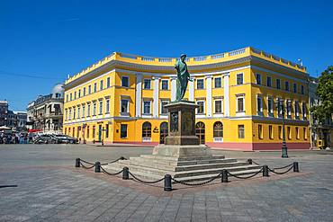 View of Primorsky Boulevard, at the top of the Potemkin Stairs, Odessa, Black Sea, Ukraine, Europe