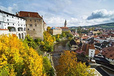 View over Cesky Krumlov and the Vltava River, UNESCO World Heritage Site, Czech Republic, Europe