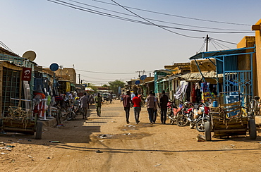 Central market of the UNESCO World Heritage Site, Agadez, Niger, West Africa, Africa