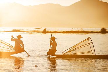 Traditional fisherman on Inle lake, Shan State, Myanmar (Burma), Asia