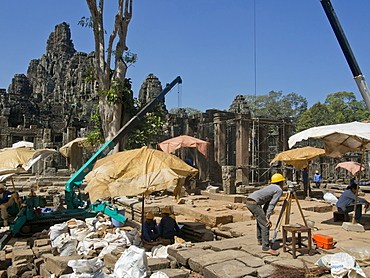Restoration work at the Angkor Wat Archaeological Park, UNESCO World Heritage Site, Siem Reap, Cambodia, Indochina, Southeast Asia, Asia