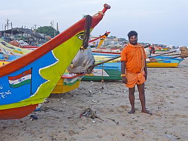 Fisherman on the beach in Tamil Nadu, India, Asia