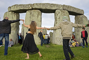 Revellers gather at historic monument for Summer Solstice celebrations, 21 June 2016, Stonehenge, UNESCO World Heritage Site, Wiltshire, England, United Kingdom, Europe