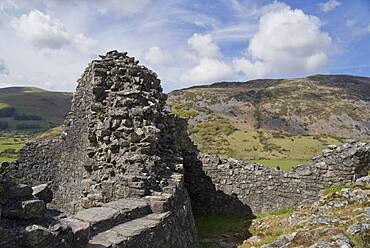 Castell y Bere, a Welsh castle constructed by Llywelyn the Great in the 1220s Gwynedd, Wales,UK - 1188-954