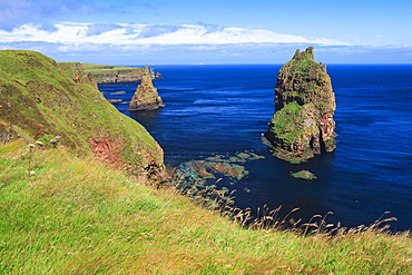 The stacks of Duncansby, John o Groats, Highlands, Scotland, United Kingdom, Europe